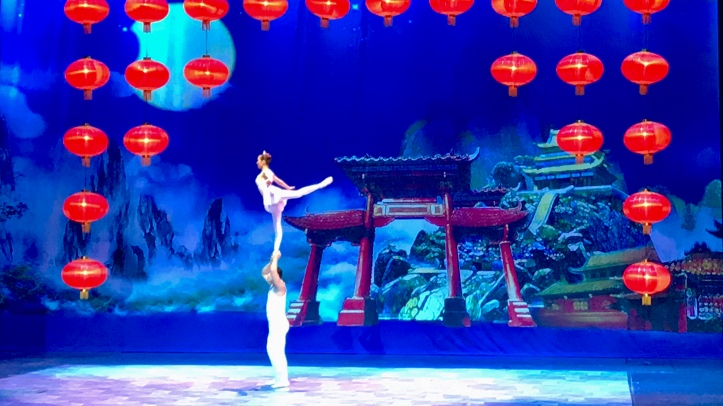 Chinese acrobatic ballet performs The Nutcracker in Puebla, Mexico